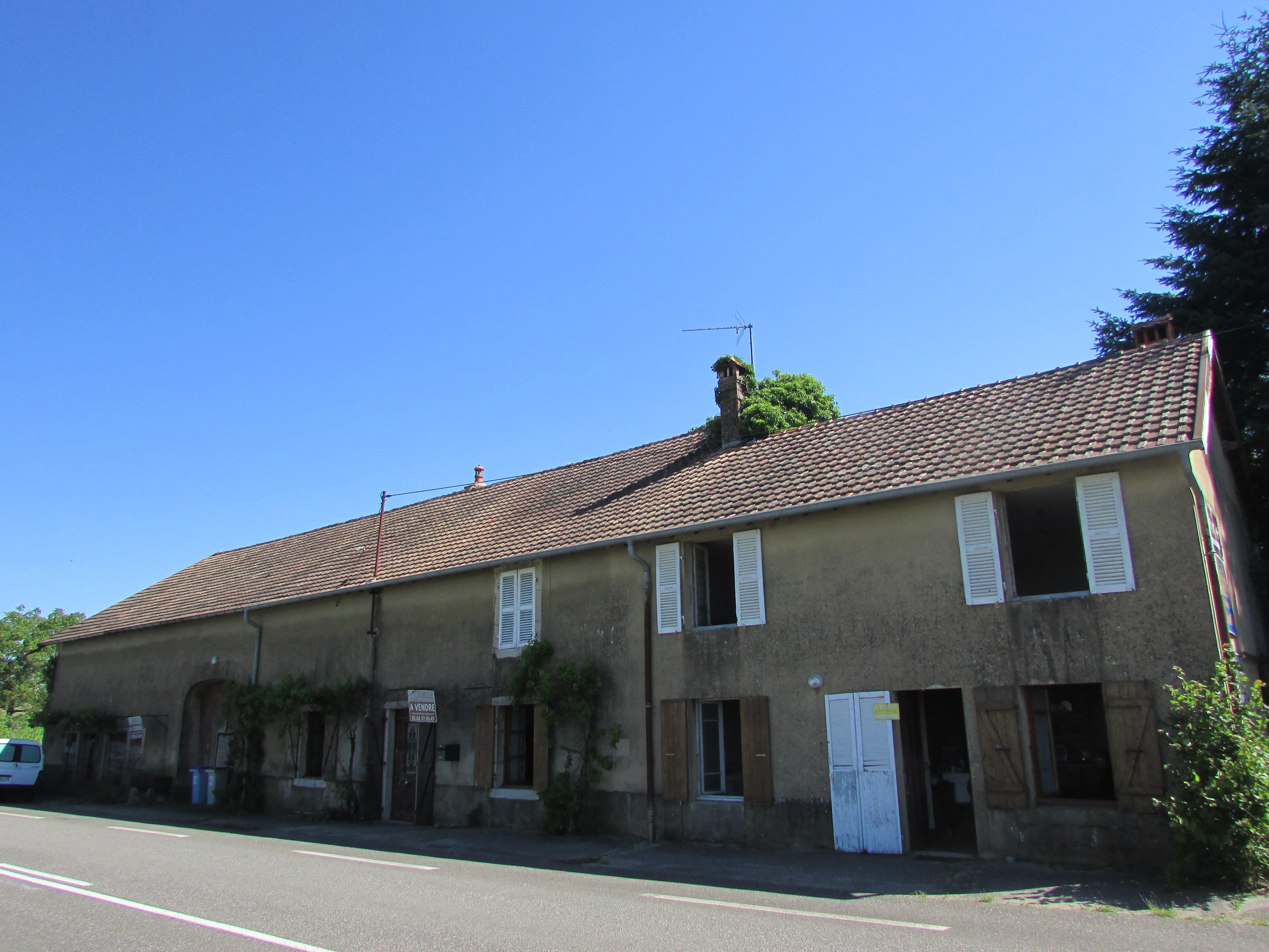 Vente maison secteur poligny actuelle immobilier for Vente bien immobilier atypique